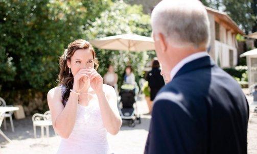 Découverte de la mariée par son papa