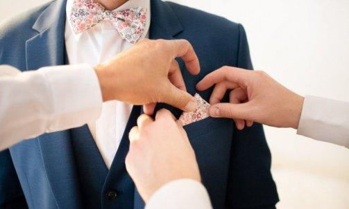 Habillage du marié- Mélanie orsini - Solophotographie